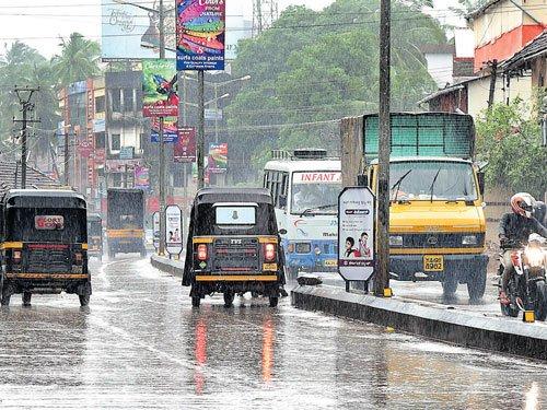 Moderate rains in Mangaluru