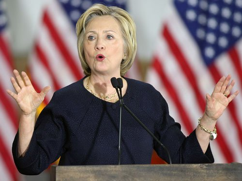 Poll shows Clinton ahead of Trump in key battleground states