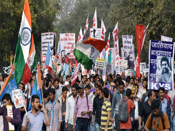 Govt rejects proposed student politics ban