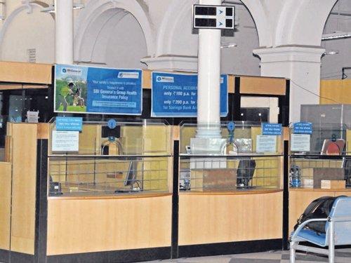 Holidays, strike to hit bank transactions