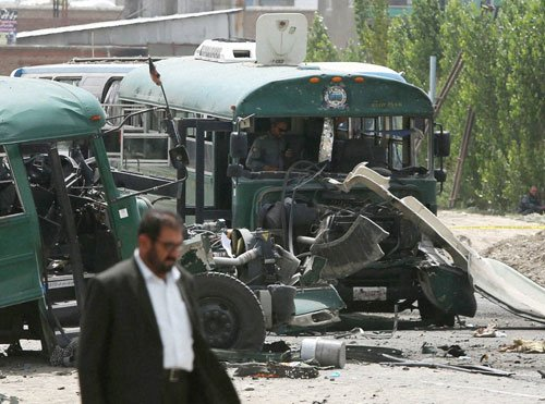 Taliban attack on police convoy kills 30