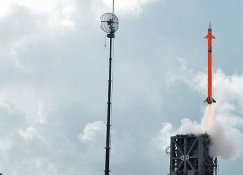 India test-fires surface-to-air missile for second day