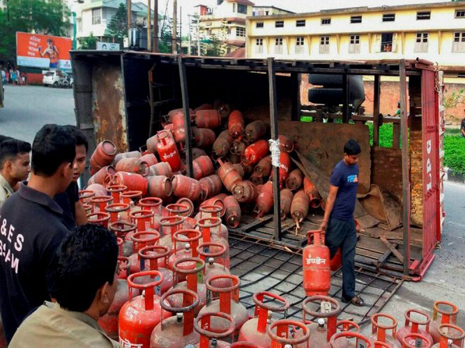 Jet fuel price hiked by 5.5%, LPG cut by Rs 11
