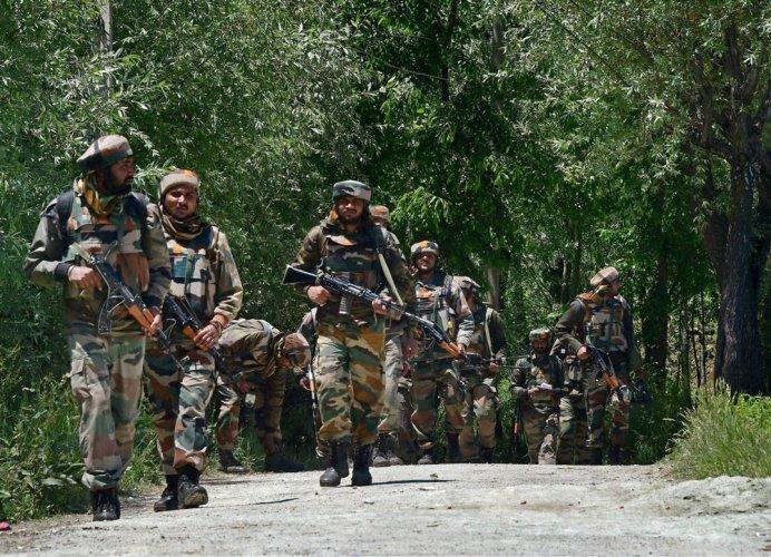 CRPF camp attacked, 4 injured
