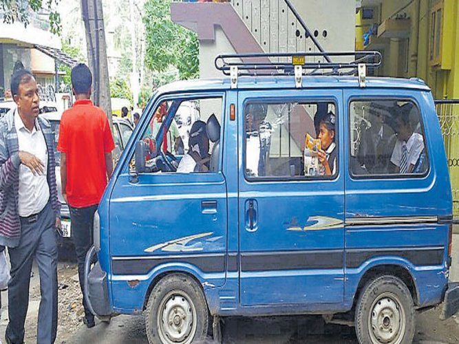 10 illegal vehicles ferrying schoolchildren seized
