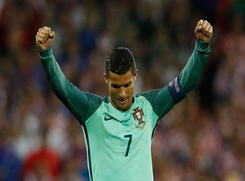 Bale battles Ronaldo for ticket to Euro 2016 final