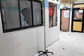 Patient's kin vandalises hospital casualty, 6 held