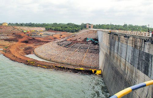 Work on Almatti dam renovation in full swing