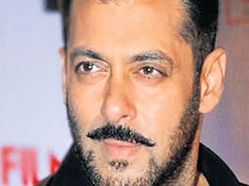Rape remark: Salman Khan skips  date with women's commission