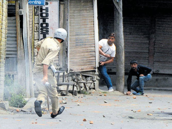 11 killed in Valley clashes