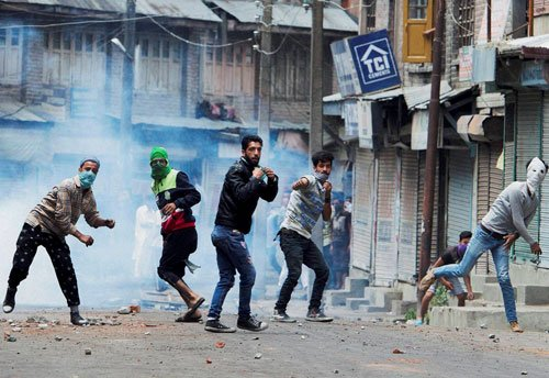 Kashmir continues to be on boil, 5 more deaths take toll to 20