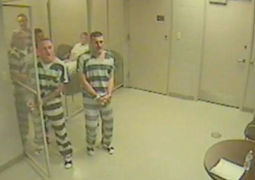 US inmates break out of jail to save guard having heart attack (Video)