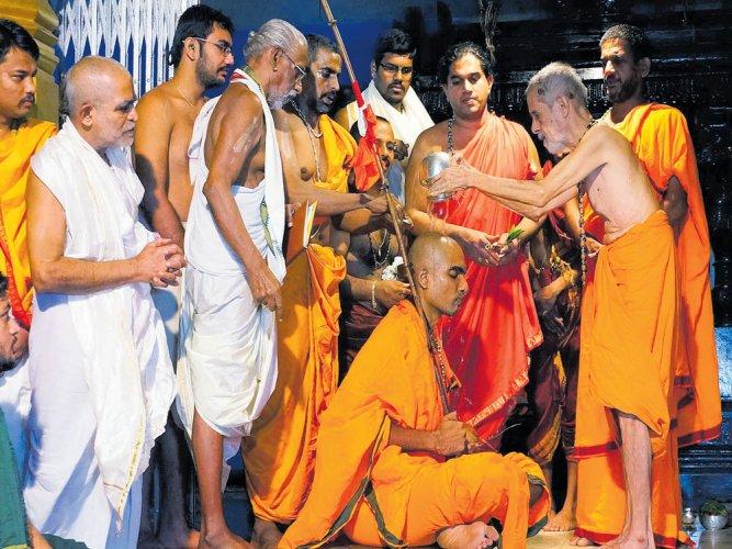 Sri Rajarajeshwari Mutt of Kshatriyas gets first seer