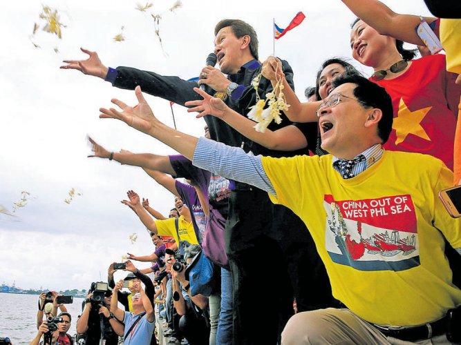 Beijing loses S China Sea claim