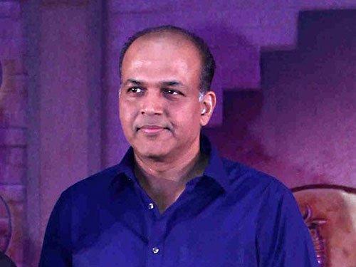 Failed in history, still like telling untold stories: Ashutosh