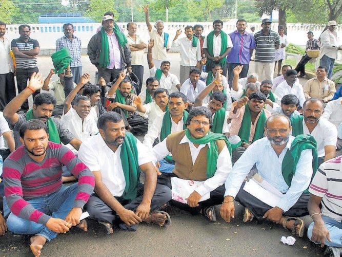 Demand for transfer of 'corrupt' AC gets shriller