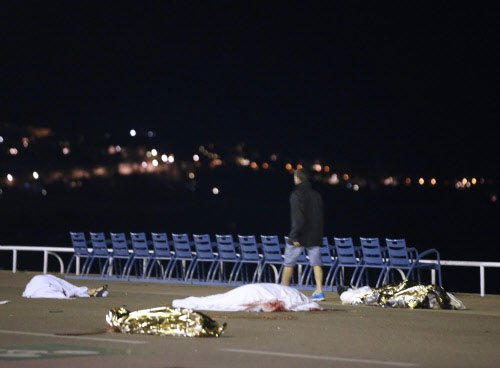 Arms found inside the truck that drove into crowd in Nice - official