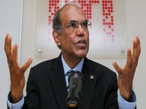 Govts swayed by short term compulsions, says ex-RBI Guv