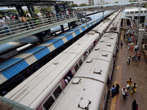 Train delay reduced by 30 per cent: survey