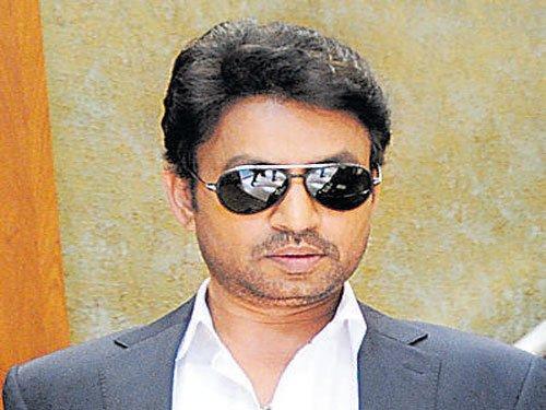 Irrfan meets Kejriwal amid 'Madaari' promotions