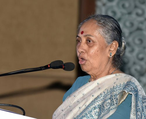Kept Sonia informed about contents of my book, says Alva