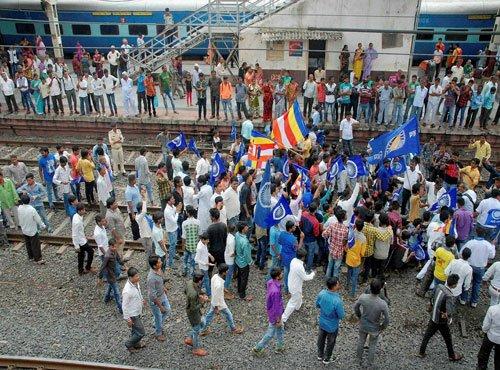 Opposition slams BJP over growing attacks