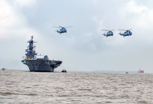 INS Viraat sets sail for the last time