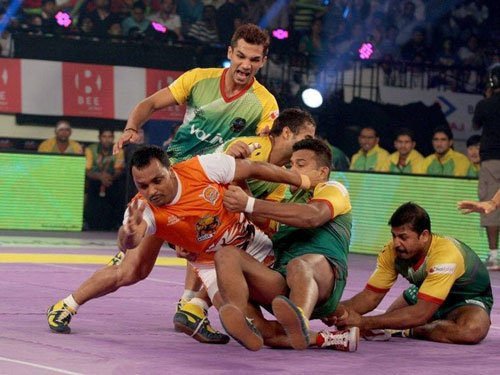 Patna down Pune to leap to top of table