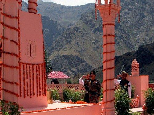 Kargil Vijay Diwas: PM hails sacrifices of Indian soldiers
