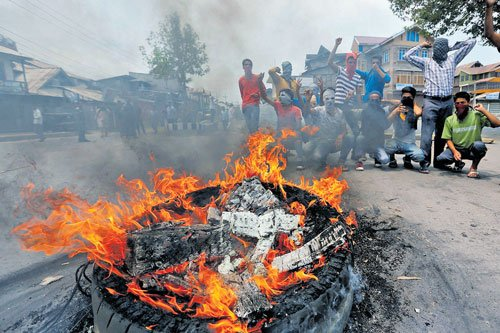 Violence erupts again as govt lifts curfew