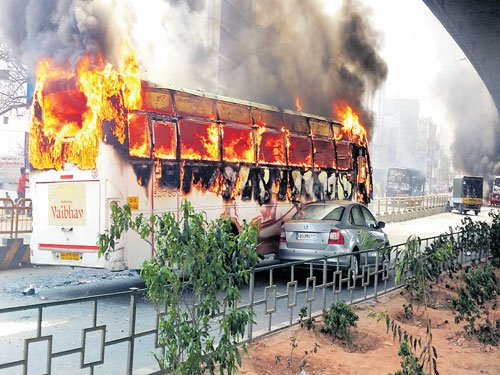 3 killed as bus catches fire in Karnataka