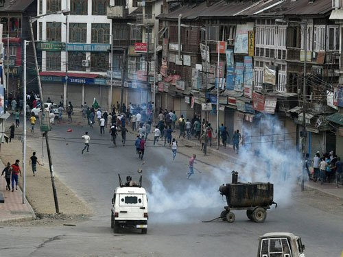 Curfew reimposed in parts of Kashmir