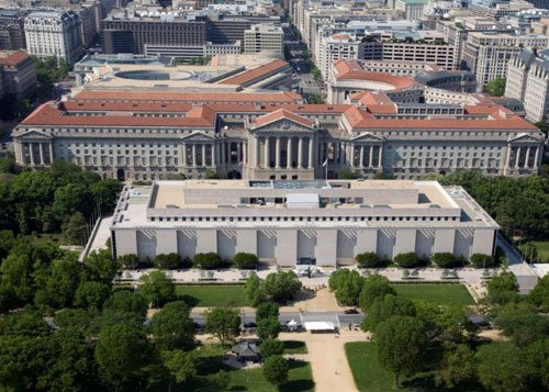 US museum seeks historian for paid beer drinking