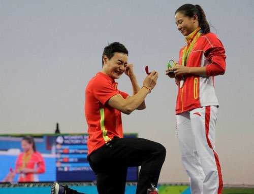 'Will you marry me?' Chinese diver proposes to teammate at Rio.