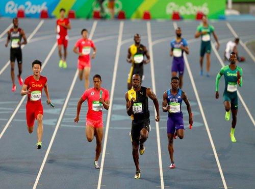 Bolt seals triple-triple as Jamaica win sprint relay
