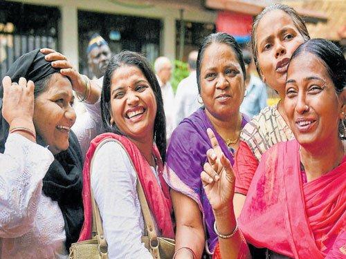 Bombay HC allows women's entry into Haji Ali Dargah