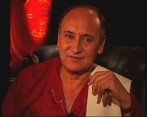 Bollywood tries to kill art: Victor Banerjee