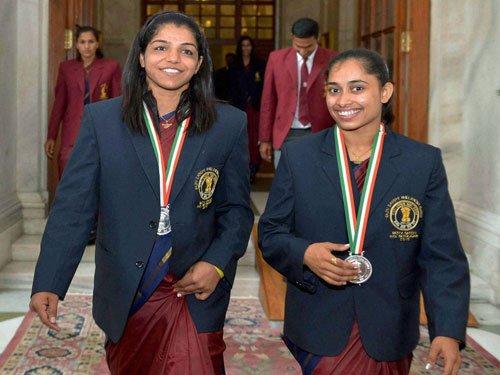 Girls shine at Khel Ratna awards