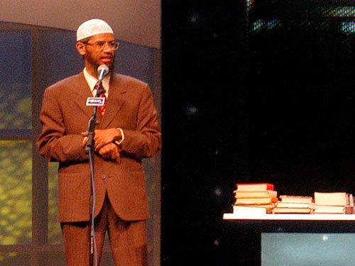 Govt to peer into Zakir Naik's speeches, activities