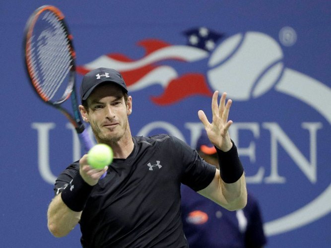 Murray, Serena cruise into second round