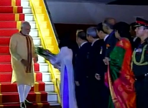Modi arrives in Vietnam; to discuss ways to boost defence