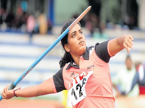 Jyothi clinches gold in 200M