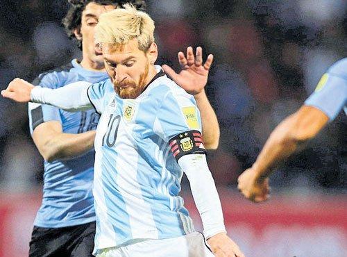 Messi strikes on return