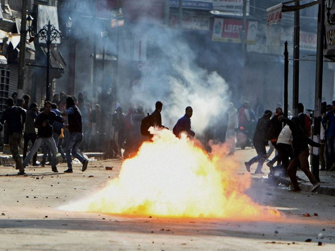 Violence in Shopian, curfew in parts of Srinagar