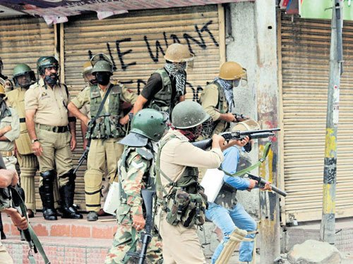 Youth killed in fresh clashes in Valley, toll climbs to 73
