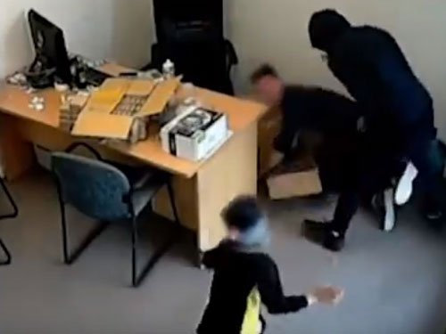 6-yr-old Indian girl braves axe-wielding robber in NZ burglary (Video)