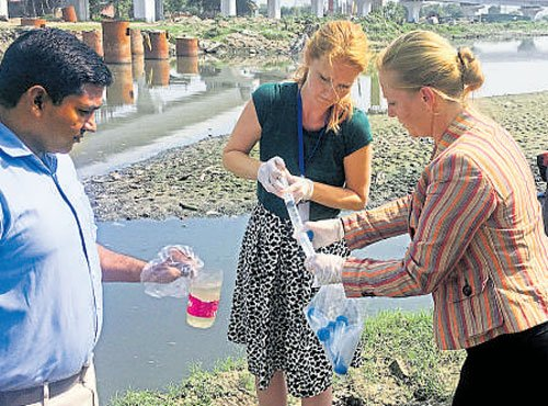 Dutch to help clean Delhi's drain