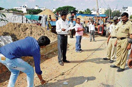 2 surveyors suspended for fake podi of govt land worth Rs 50 cr