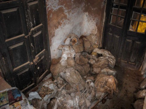 Sons keep mother's body in house for 9 months