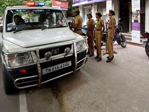 Protests break out in TN against Karnataka